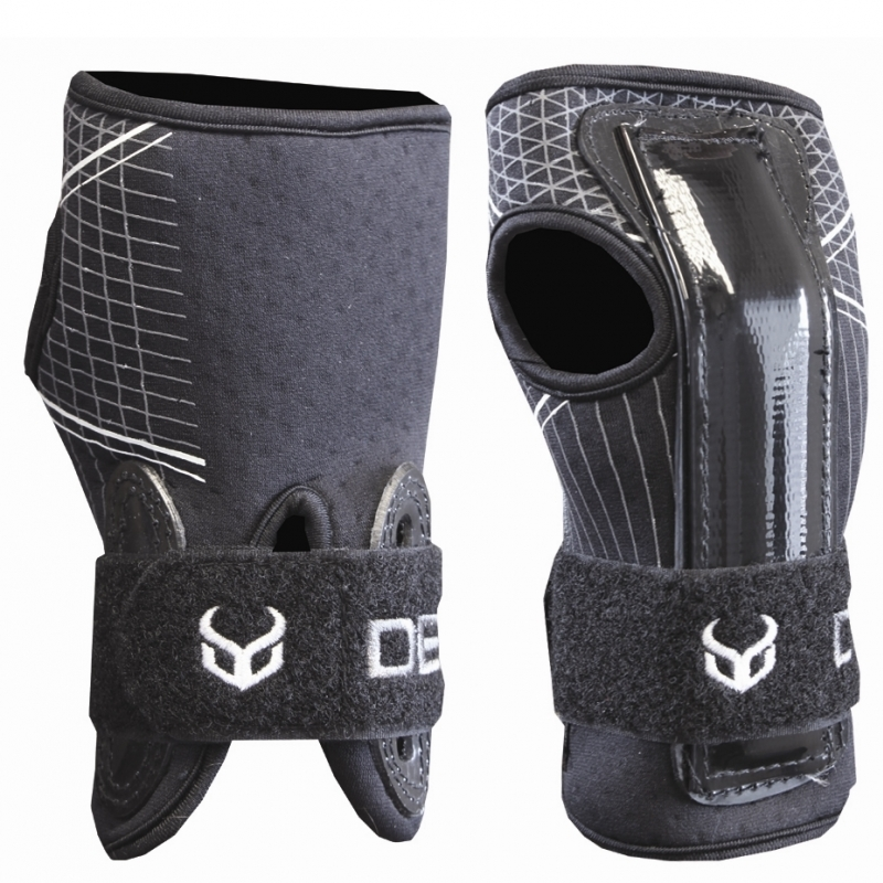 Demon Wrist Guards DS6450 for Skiing and Snowboarding