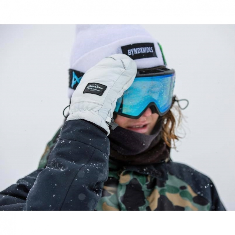 Transform Photo Incentive Snowboard Mitts White